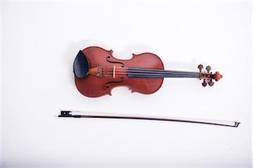 Tiana-Angus_violin-web.jpg